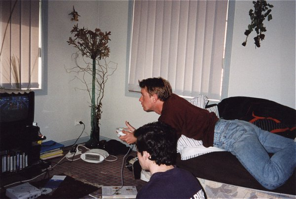 politelion and bradley playing dreamcast