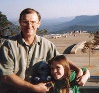 Day 04 - Closeup - Three Sisters Lookout - Dad and Ali